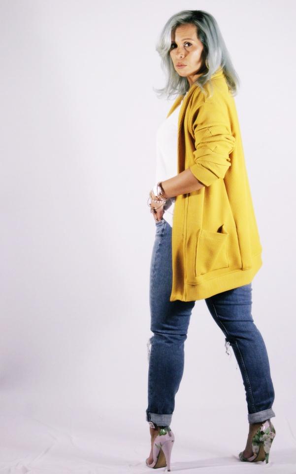 yellowsweaterIMG_4601